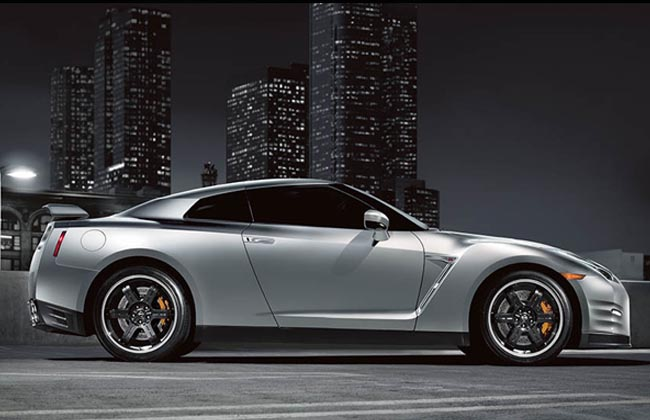 Nissan GT-R silver